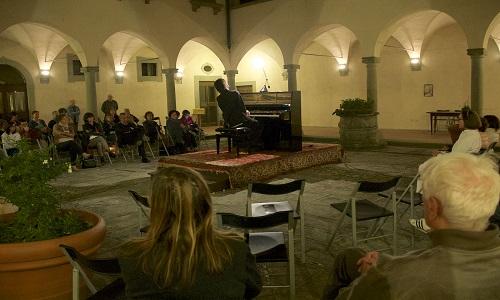 10-concerto pianistico nel chiostro